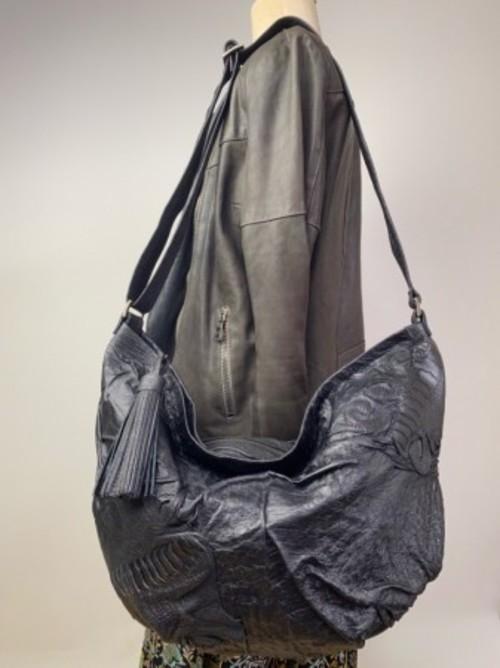 新作オーストリッチパッチワークブラック×レッグ フィットショルダーバッグ